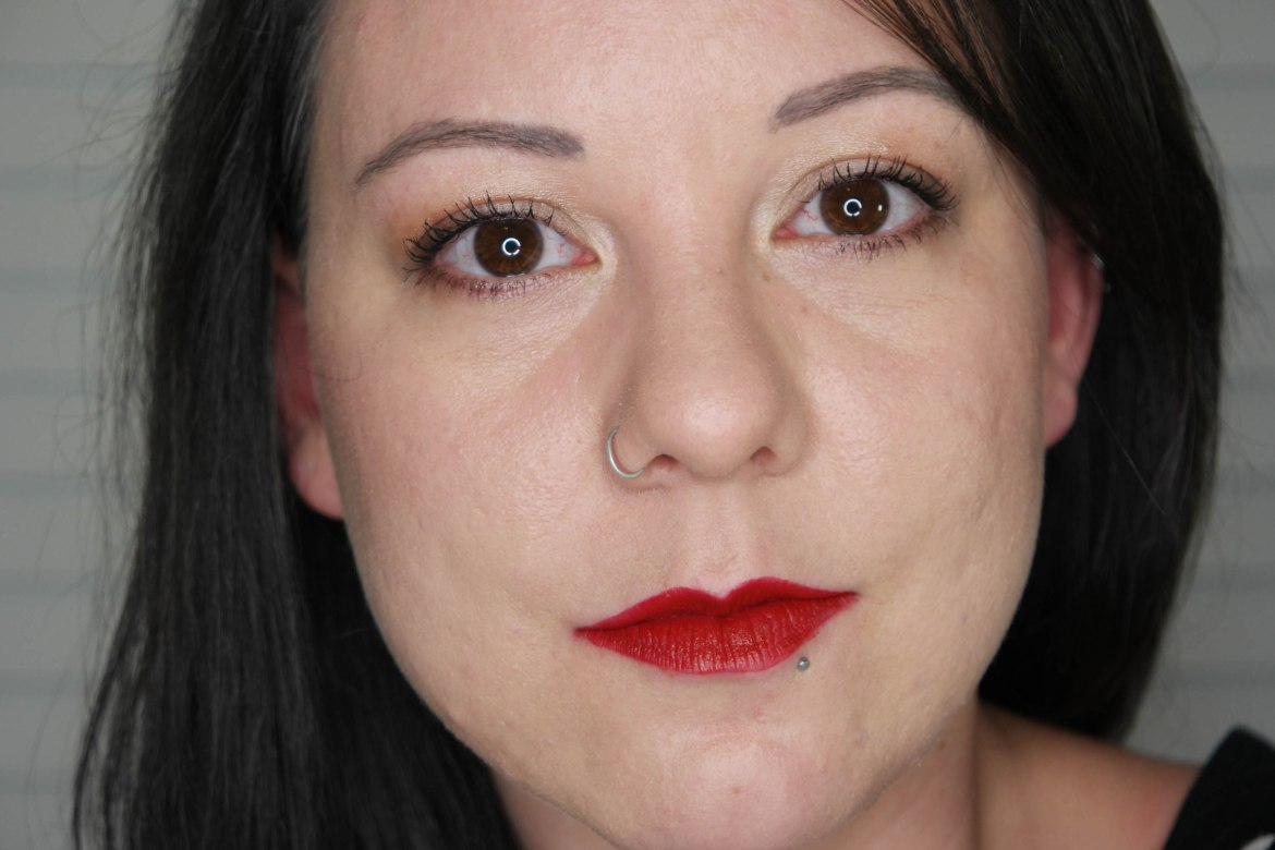 GrandeLips HydraPlump Semi-Matte Liquid Lipstick Red Delicious Swatch