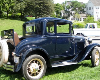 Dark blue 1931 Ford Model K