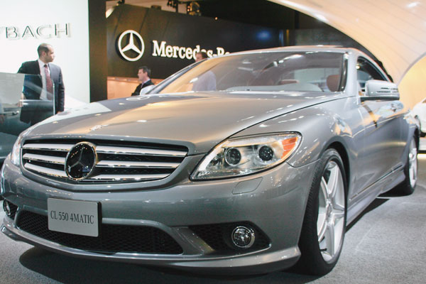 front view of silver Mercedes Benz CL 550