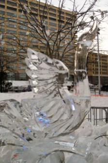 Goose with outstretched wings ice sculpture.
