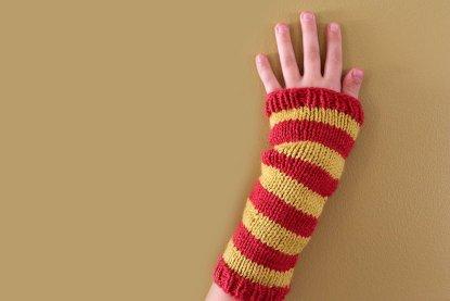 Striped Wristwarmers knitting pattern at Polka Dot Cottage