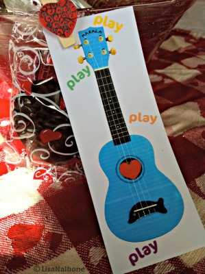 Valentine Ukulele, Dr. Uke says remember to play at LisaNlabone.com