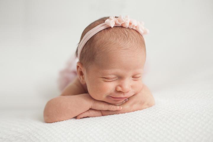 newborn photographer vaughan
