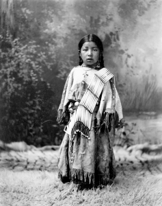 Her Know (Dakota Sioux Girl), 1899. Photographer Heyn Photo, Omaha, Nebraska