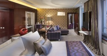 Top 10 hotels in Baixa