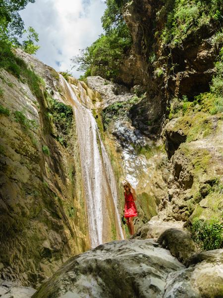 De Dimossari waterval bij Nidri.