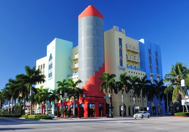 florida-miami-beach-art-deco-district