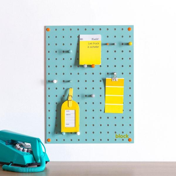 block-small-pegboard-light-blue_1