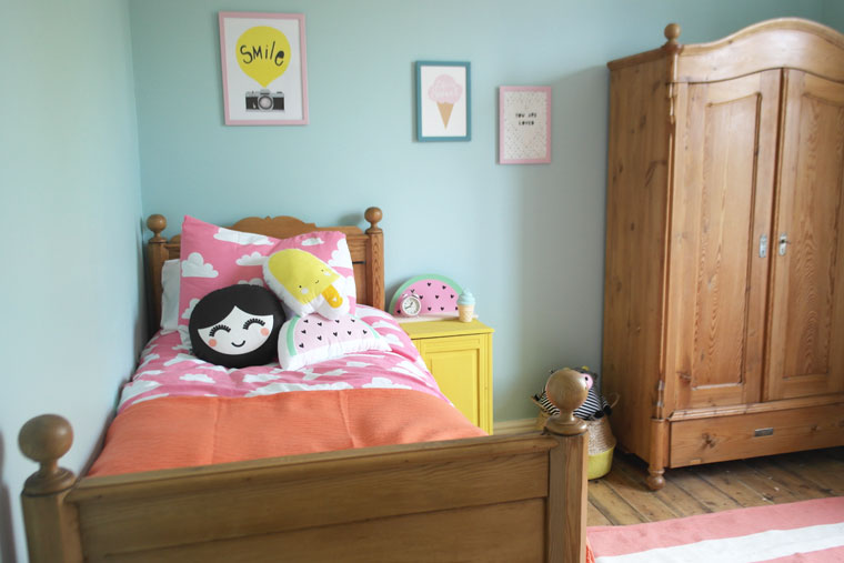 Littlelish's happy pastel bedroom