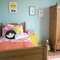 Littlelish's happy pastel bedroom