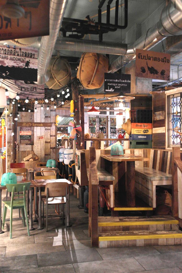 interiorofthaikhunrestaurant