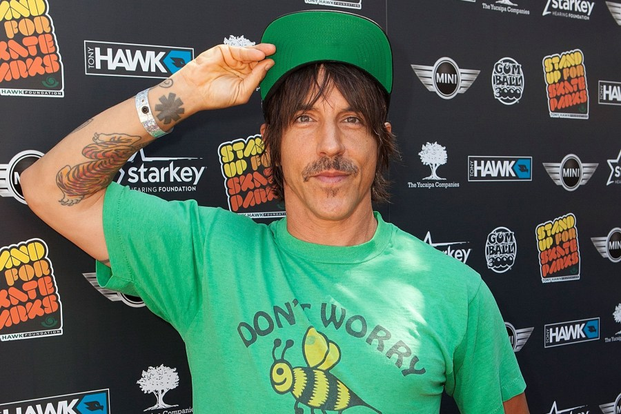 BEVERLY HILLS, CA - SEPTEMBER 21: Anthony Kiedis arrives for the 11th Annual Tony Hawk's Stand Up For Skateparks Benefit - Arrivals at Ron Burkles Green Acres Estate on September 21, 2014 in Beverly Hills, California. (Photo by Gabriel Olsen/Getty Images)
