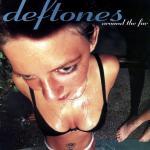 """בחזרה לדיסקמן: 20 שנה ל-""""Around the Fur"""" של Deftones"""