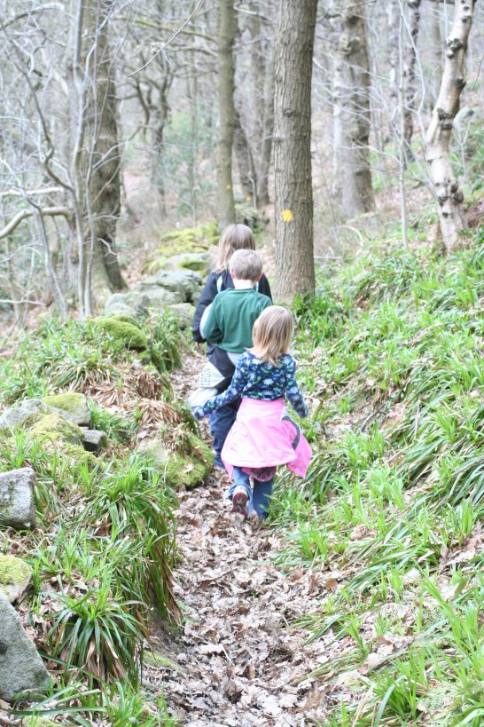 list of things to consider when hiking with your family   ListPlanIt.com