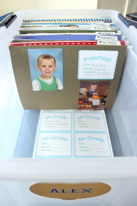 004_Use-custom-labels-for-organizing-school-memorabilia