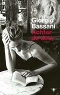 Omslag Achter de deur - Giorgio Bassani