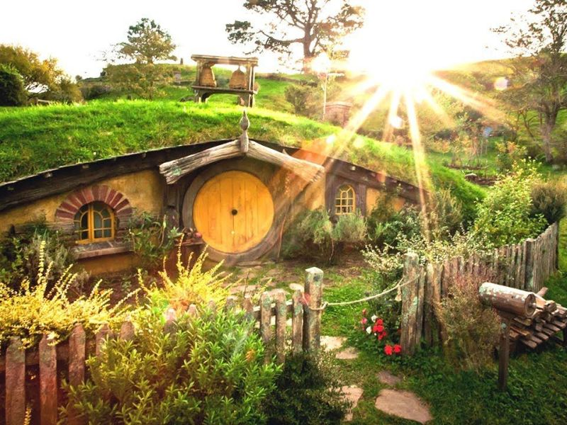 how to create a proper hobbit hole in your house. Black Bedroom Furniture Sets. Home Design Ideas