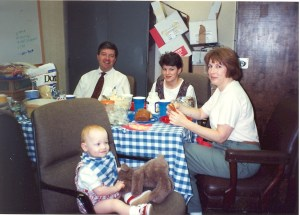 1994-06 Lunch break at the AGATE Office