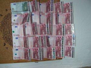 300 Euro an der Pinnwand