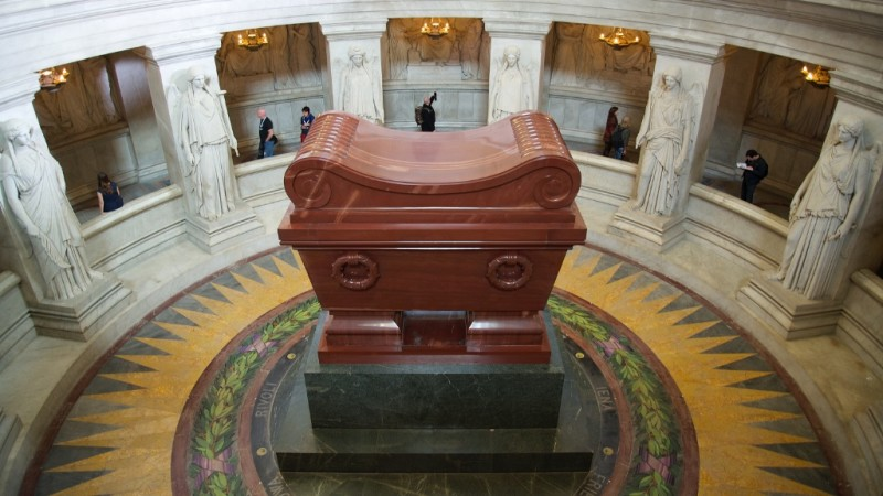 Le tombeau de Napoléon 1er en aventurine rouge