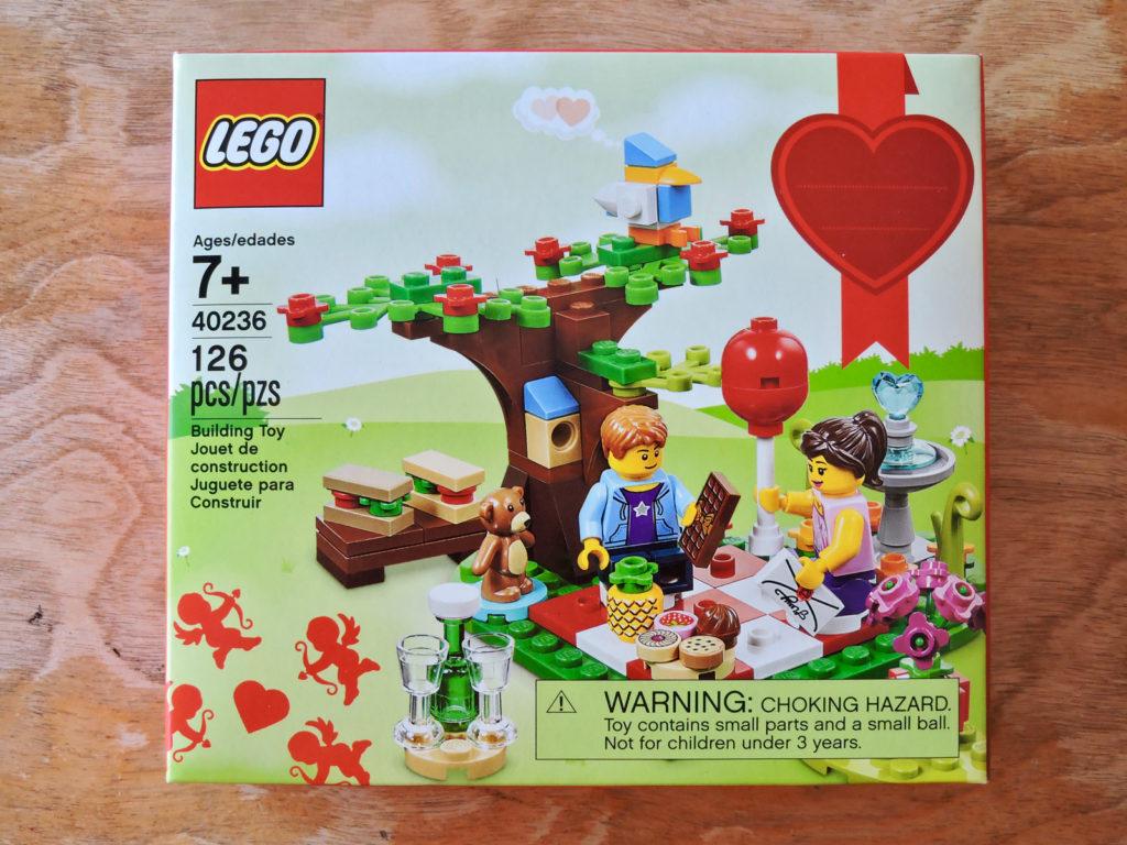 40236 Romantic Valentine Picnic Little Brick Root
