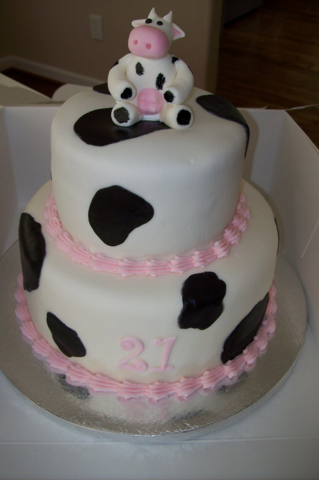 Cow Cakes Decoration Ideas