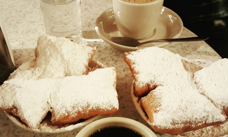 Beignets and Coffee at Cafe Du Monde New Orleans