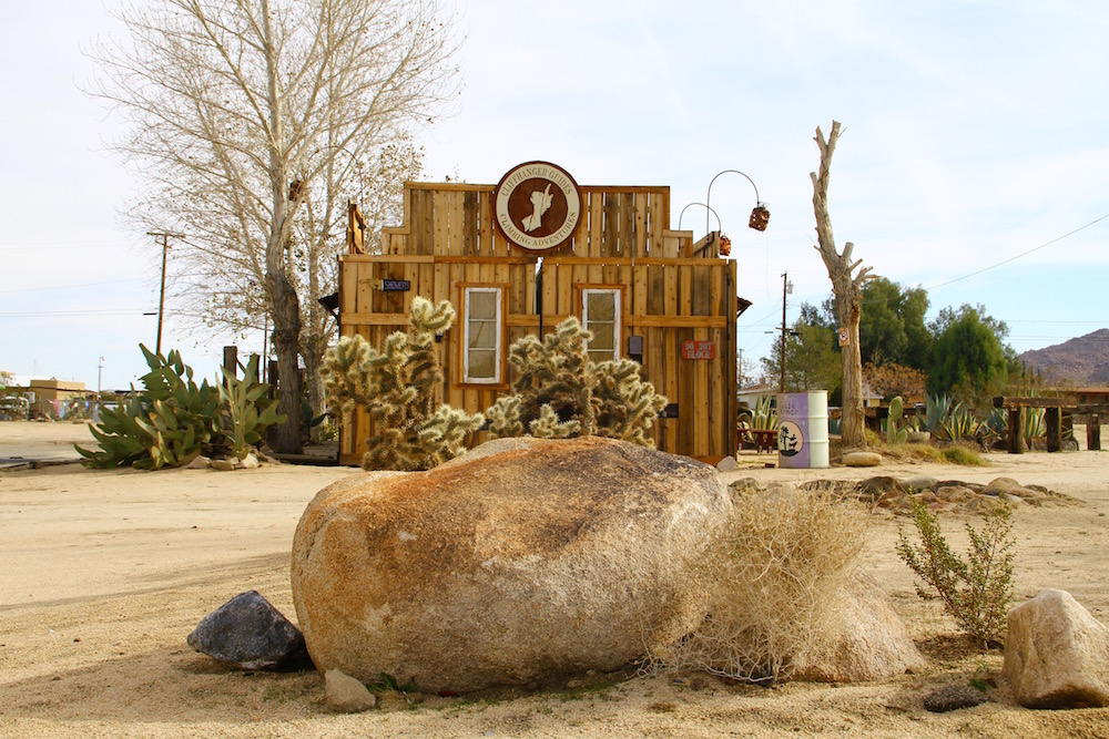 aip-travel-food-roadtripping-through-the-desert