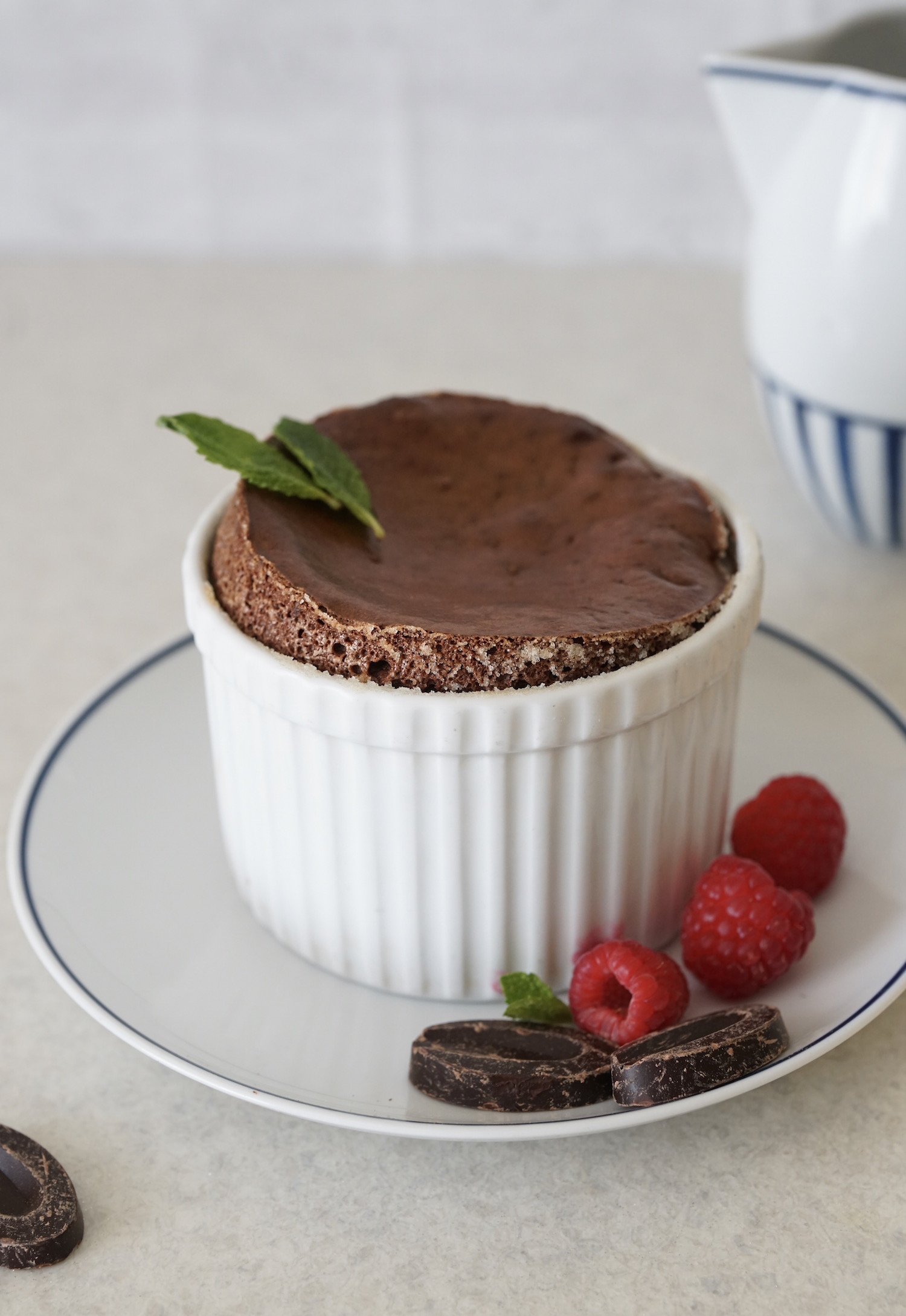 Flourless Paleo Chocolate Soufflé (Dairy & Gluten Free) a healthy, no fail version of this classic, indulgent dessert