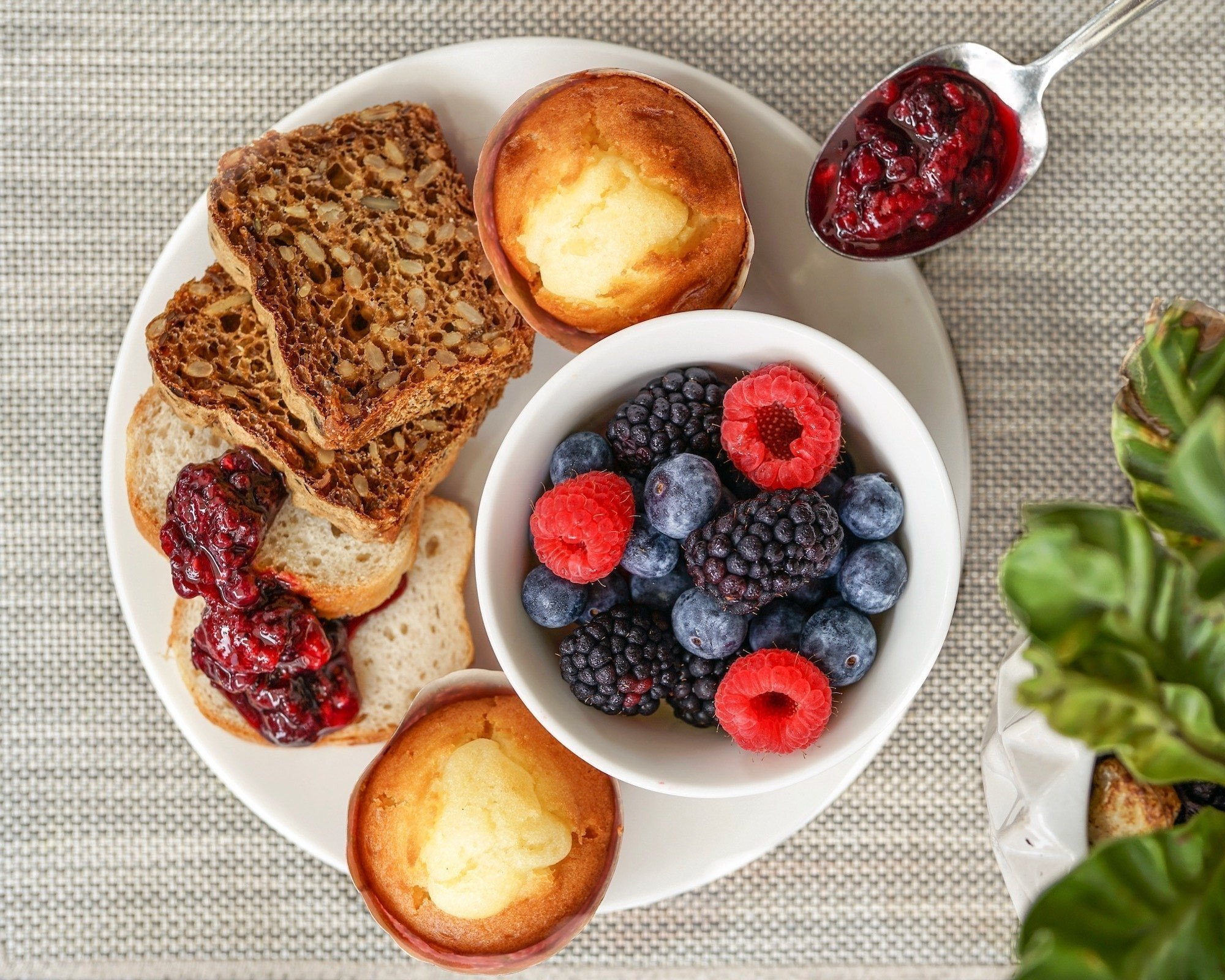 10 Strategies to Avoid Gluten in Restaurants 1