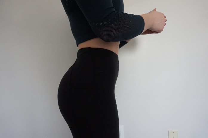5b8b810b46 I'll touch on the length of these leggings too. Can I just say how happy I  am that I finally have a legging in my possession that I DON'T HAVE TO ROLL  ...