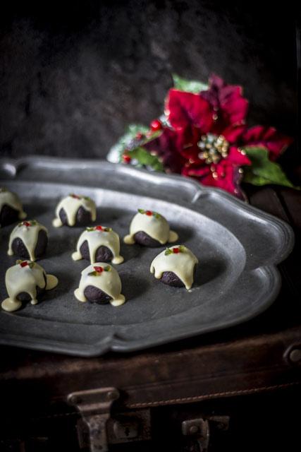 Christmas Pudding.Christmas Pudding Truffles