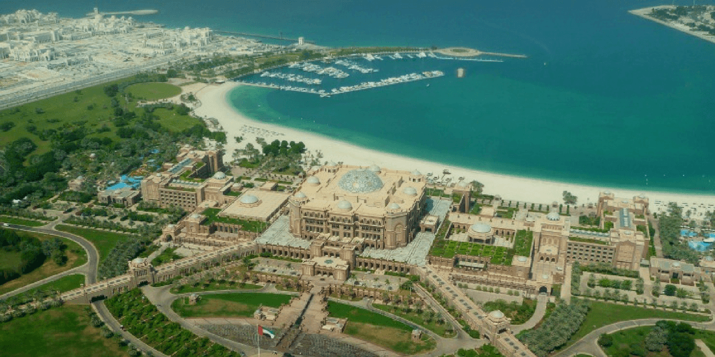 Emirates Palace Abu Dhabi Best Family Hotels as chosen by family travel experts | #Abudhabi #familytravel #littlcitytrips