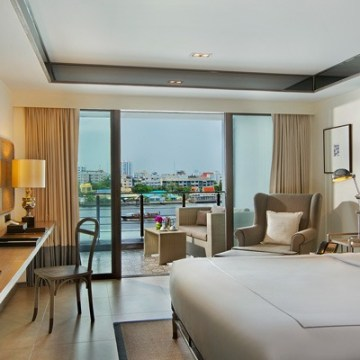 Riva Surya Bangkok family hotel