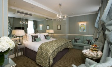 Inside a Junior Suite Room at Rubens Hotel | Top family-friendly hotels hand selected by the team at Little City Trips - City Travel Experts