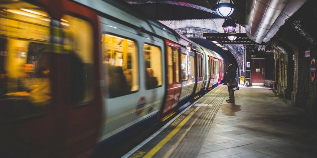 London tube train | How to get around London with Kids | London City Guide by Little City Trips