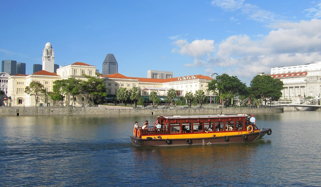 Take a cruise on Singapore River