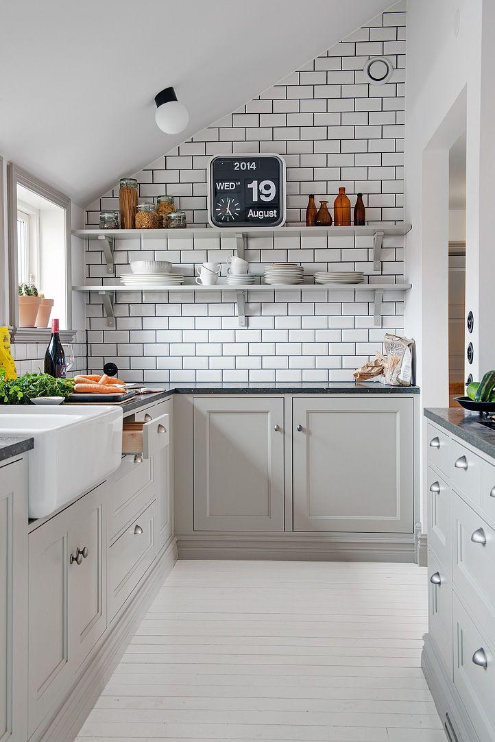 Gray Kitchen Round Up