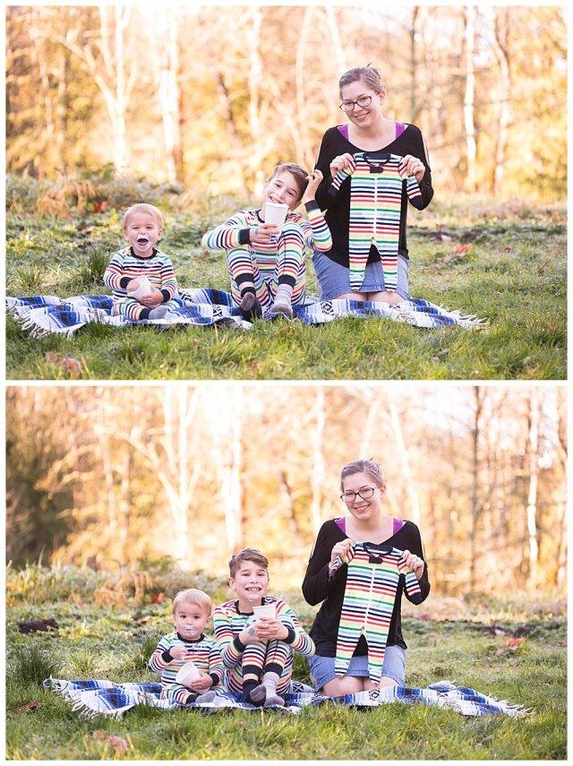 Fun maternity announcement. Bellingham photographer.