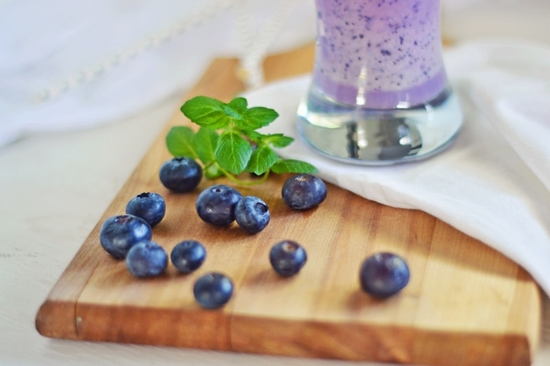 Blueberry-Smoothie-@LittleFiggyFood-#SummerDrinks-#Smoothies