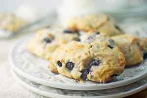 Blueberry Lemon Ricotta Scones - #Scones - @LittleFiggyFood