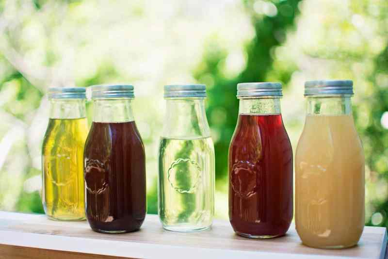 Flavored Simple Syrups - perfect for flavoring your drinks and drizzling over desserts! From basic simple syrup to ginger beer and everything in between. Recipe @LittleFiggyFood