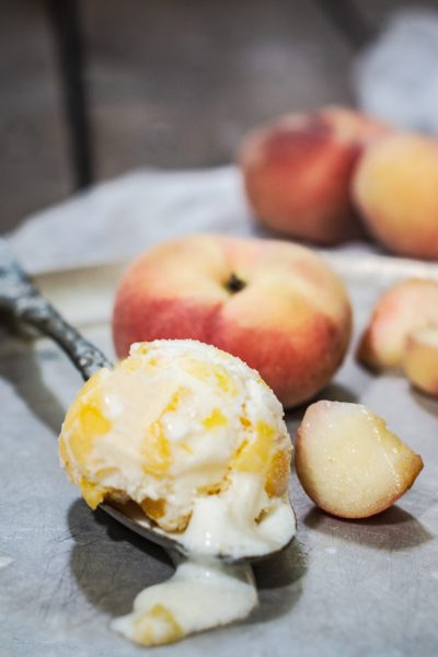 Homemade Peach Ice Cream, easy to make and taste amazing!