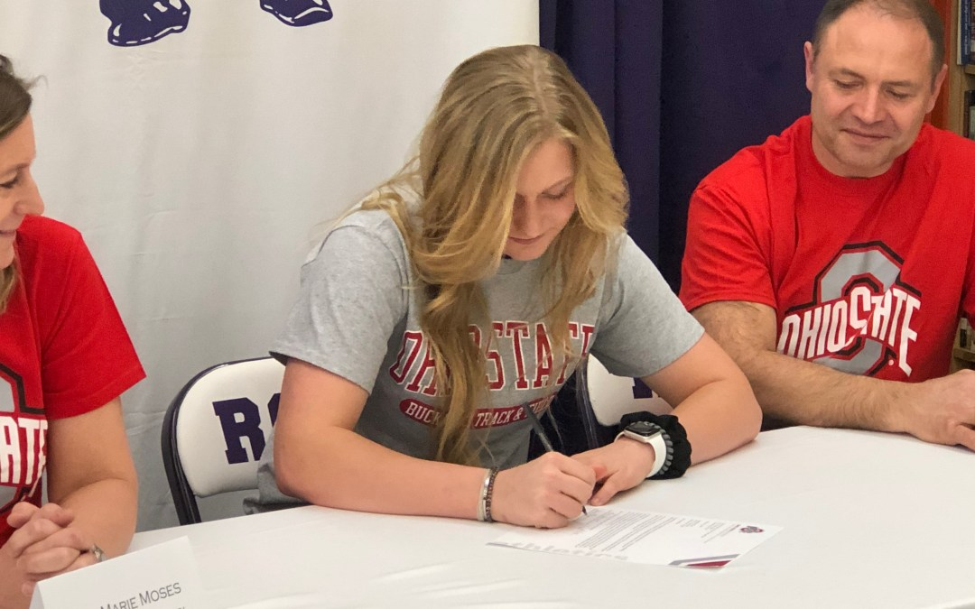 AnneMarie Moses sign to pole vault for Buckeyes