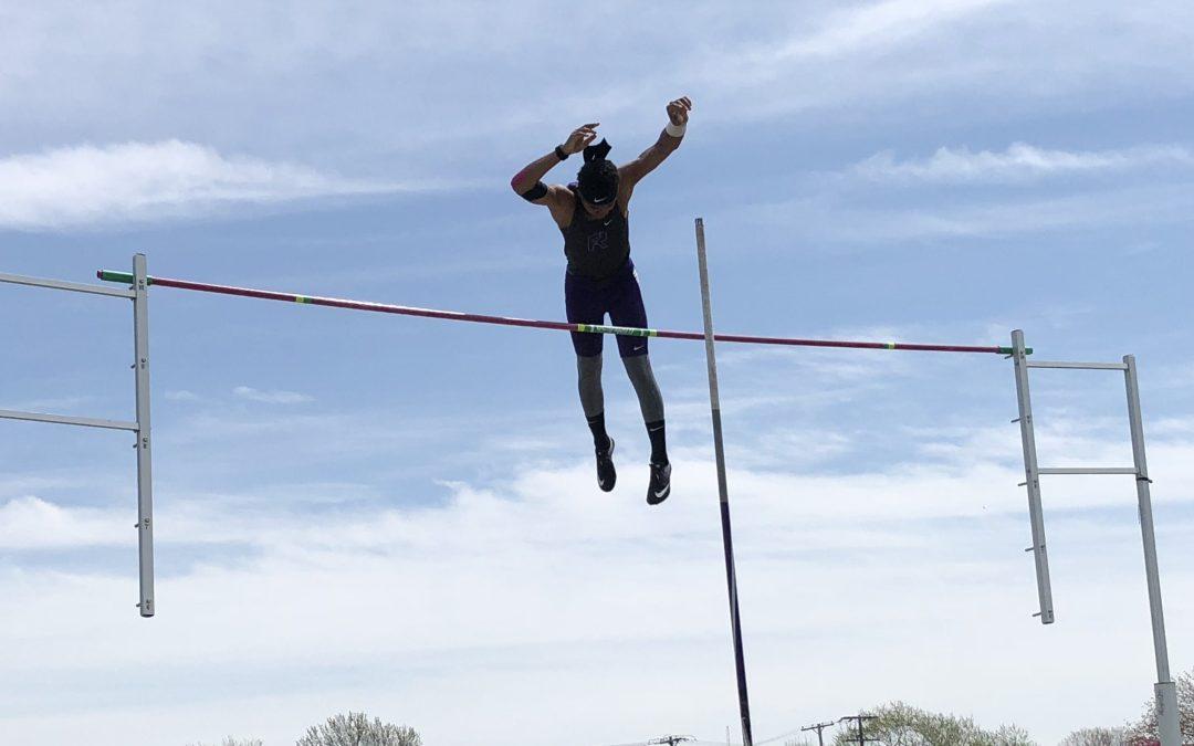 Keaton Jordan breaks Ross' 45-year-old pole vault record