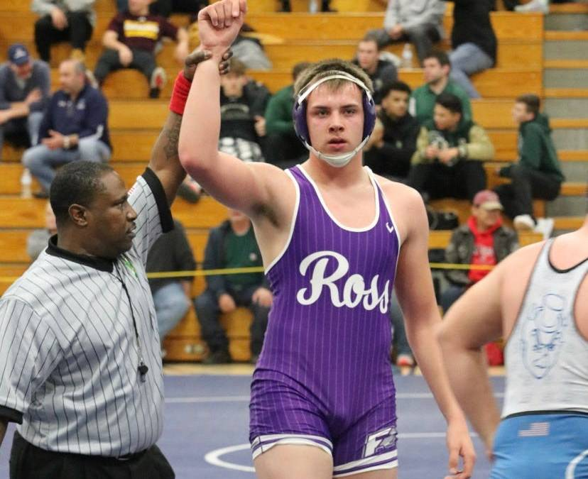 Ethan Green wins District Title – Advances to State.