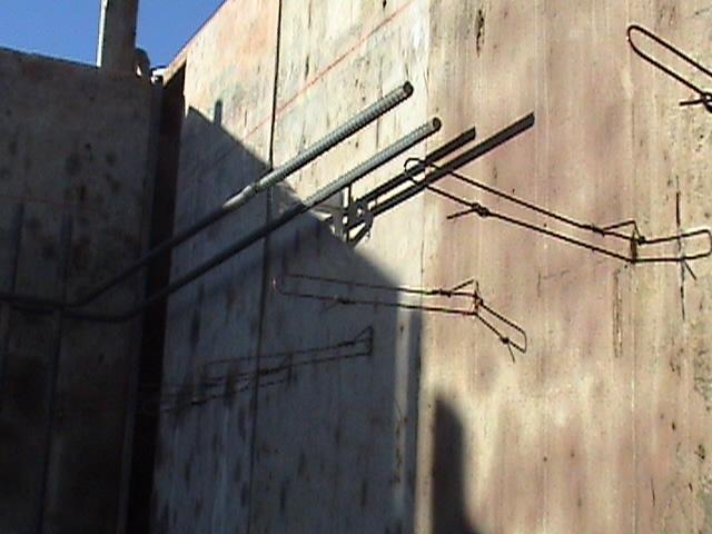 Wall ties2 010