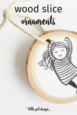 Wood slice ornaments are so easy to make and decorate! They make a great teacher's gift for Christmas and are also a great mini-gift for friends. Make up a batch to give to neighbors or use them as fancy gift tags. :)