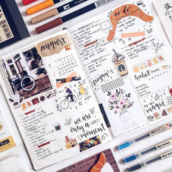 This bullet journal layout reminds me of an art journal—so pretty!