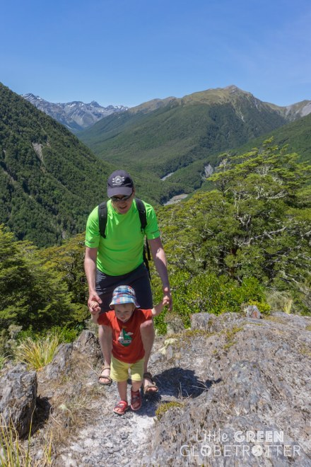 Lewis-Pass-Tops-New-Zealand-Frugi-hat